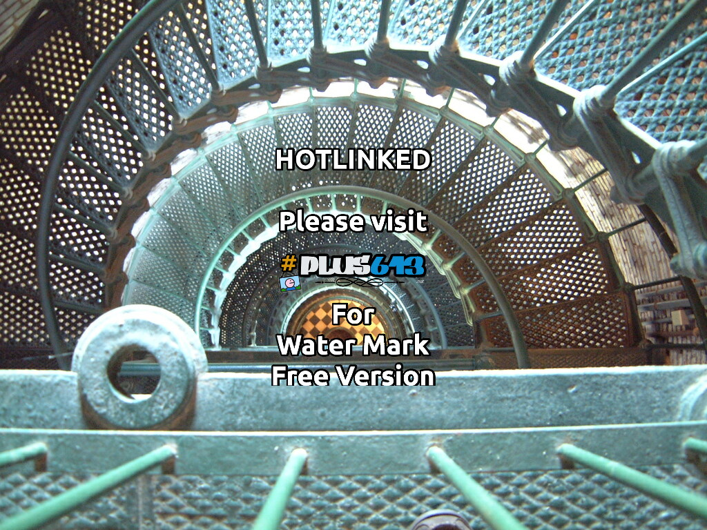 Currituck lighthouse...  North Carolina...  looking down inside, from the top...