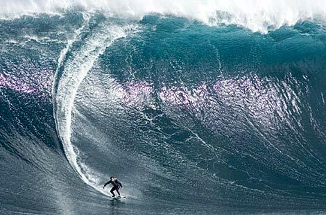 Damon Eastaugh surfs Australia's largest wave